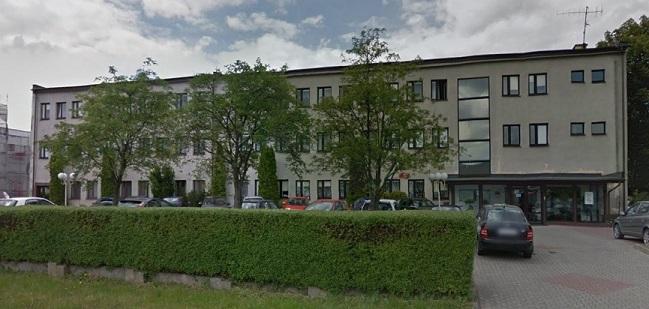 Fotografia przedstawia budynek znajdujący się w Słupsku przy ul. Poznańskiej 42