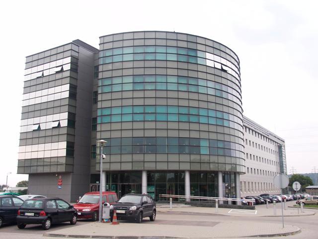 Fotografia przedstawia budynek znajdujący się w Gdyni przy ul. Północnej 9a